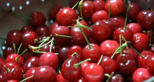 gorgeous-sweet-cherries